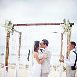 blogs-aisle-say-beach-wedding-planning-tips.jpg