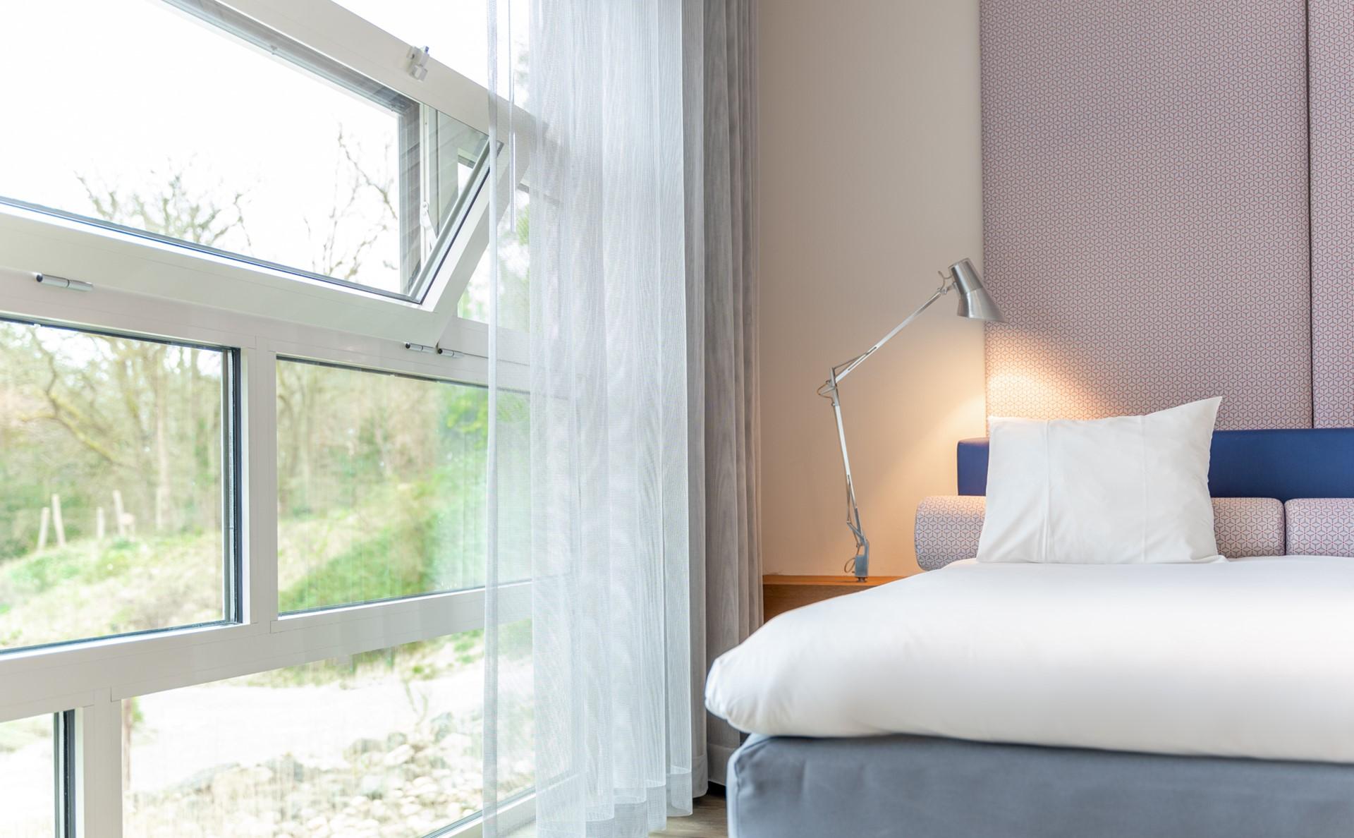 UNL 1123 bed (4).jpg